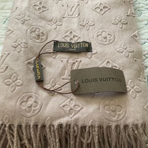 Light brown cozy scarf